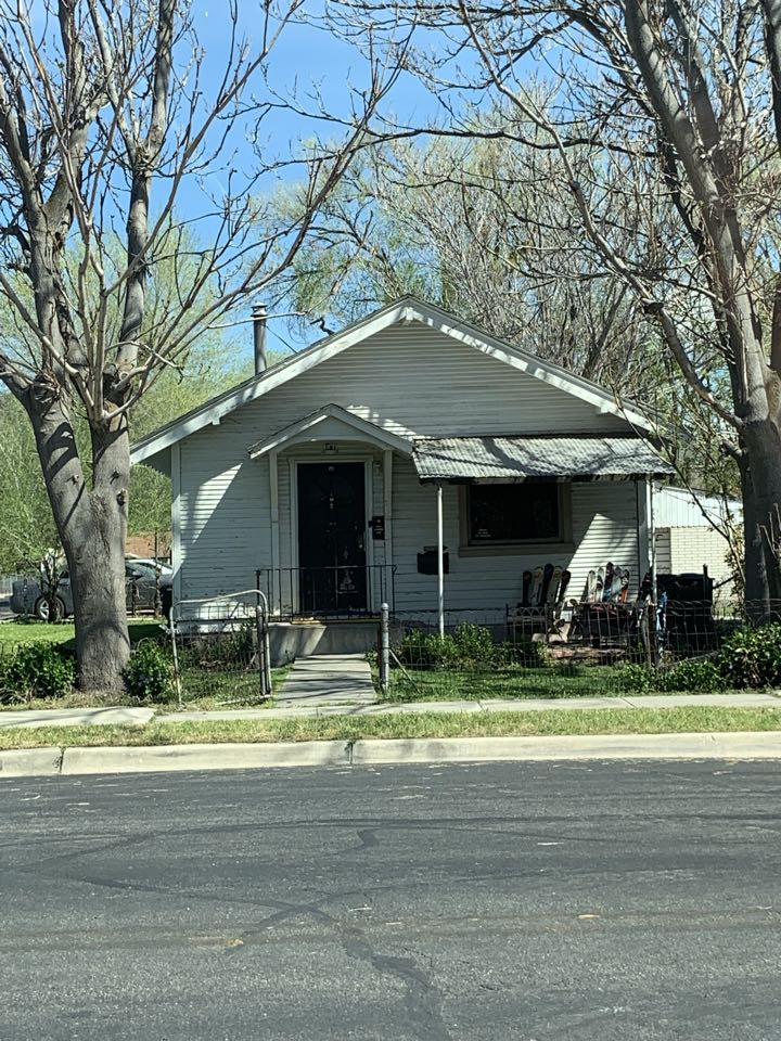 South Salt Lake, UT - SELL MY HOUSE FAST. Looking at a property the sellers would like to close ASAP on. The house needs some work.