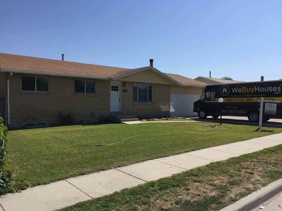 Taylorsville, UT - Just finished a fixer upper in Taylorville, UT. We purchased the home with cash back in May. Pictures today and will hit the MLS tonight 😀