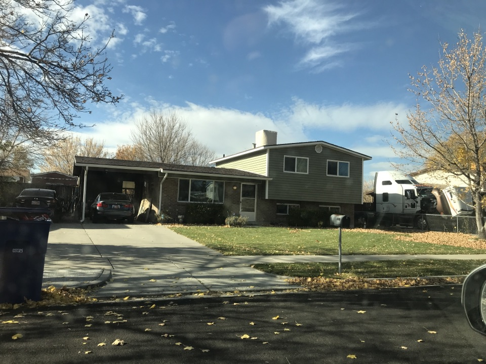Taylorsville, UT - Spent the last 45 minutes talking with the owner of this Salt Lake City home discussing her different options. The home had been on the MLS for the last 60 days and unfortunately was overpriced. Hopefully we were able to provide some more insight on the real Value of the home.