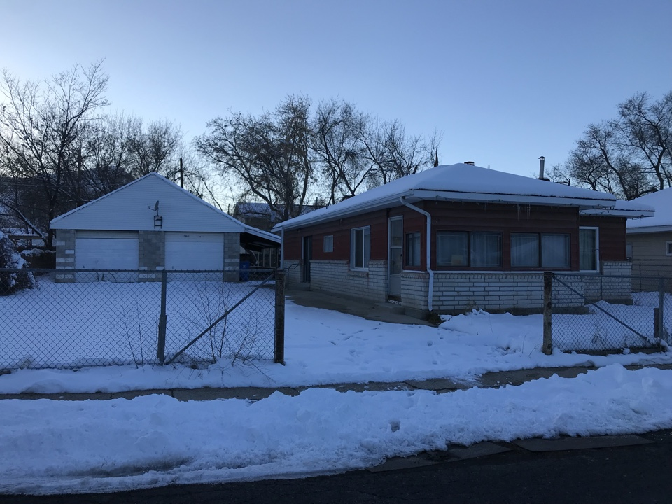 Magna, UT - Received a call this afternoon from the seller of this vacant house. The home has a great structure but needs some updating inside. We will give the sellers a cash offer in the morning!