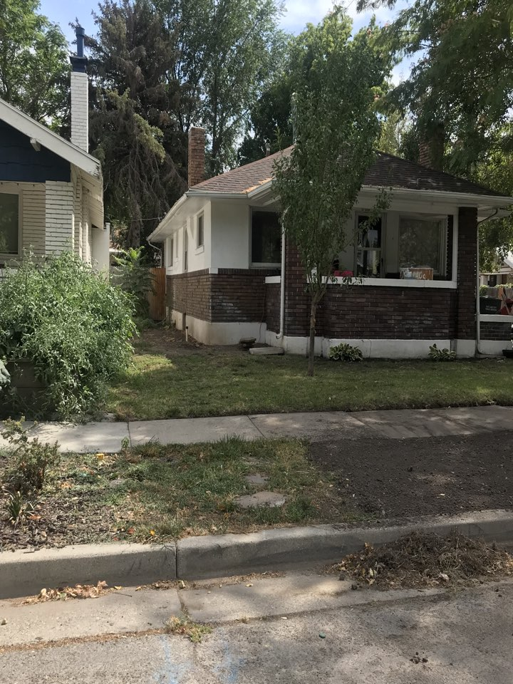 Salt Lake City, UT - SELL MY HOUSE CASH. Received a call from an out of state owner looking to sell his rental property here in Salt Lake. The property is in need of some TLC and the owner is considering a cash offer so that he doesn't have to do any work and put it on the market.