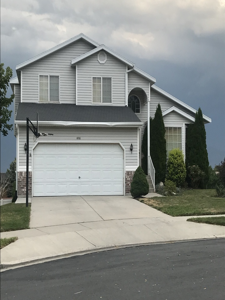 West Jordan, UT - WE BUY HOUSES FAST. Last week we purchased this home for cash in less than 7 days. The property was in foreclosure and the seller was looking for a quick sale. We were able to put thousands of dollars in the sellers pocket and allow them to live in the house for 30 days rent free!
