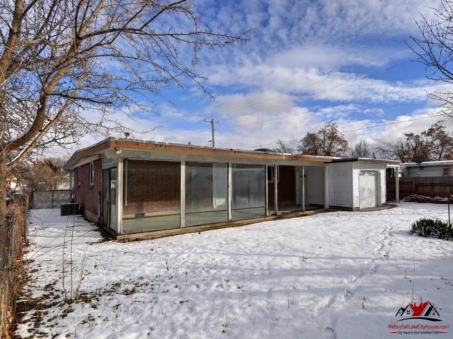 Indiana Ave Salt Lake Glasshouse Property